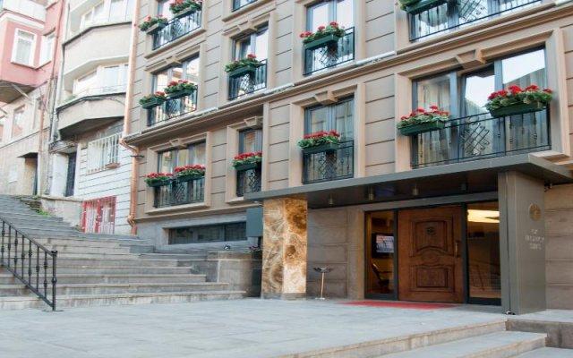 Отель GK Regency Suites вид на фасад