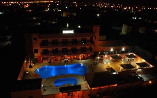 Hotel IMAN