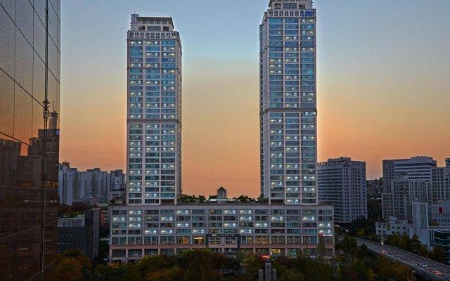 Отель Brown Suites Seoul Южная Корея, Сеул - 1 отзыв об отеле, цены и фото номеров - забронировать отель Brown Suites Seoul онлайн вид на фасад