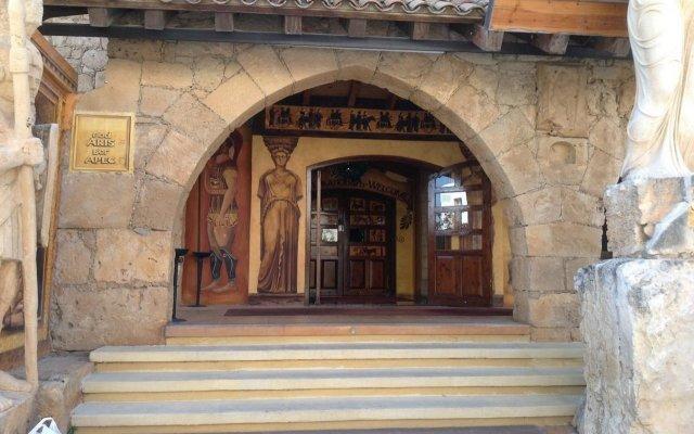 Отель Roman Boutique Hotel Кипр, Пафос - 8 отзывов об отеле, цены и фото номеров - забронировать отель Roman Boutique Hotel онлайн вид на фасад