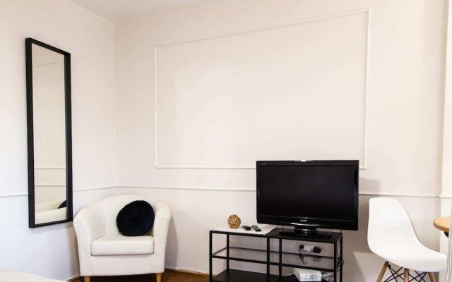 Riverside Comfort Studio