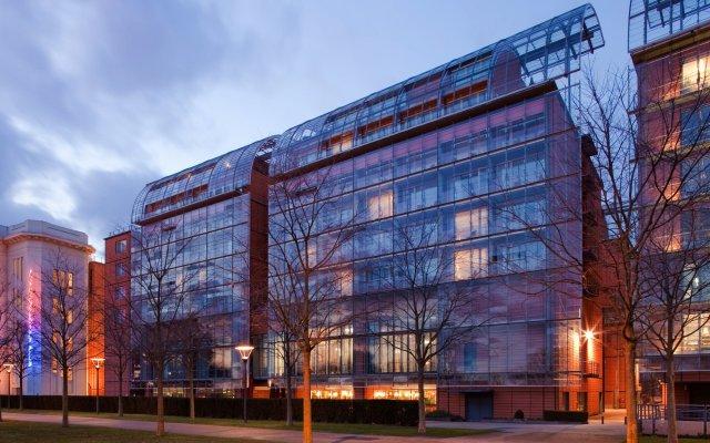 Отель Marriott Lyon Cité Internationale Франция, Лион - отзывы, цены и фото номеров - забронировать отель Marriott Lyon Cité Internationale онлайн вид на фасад