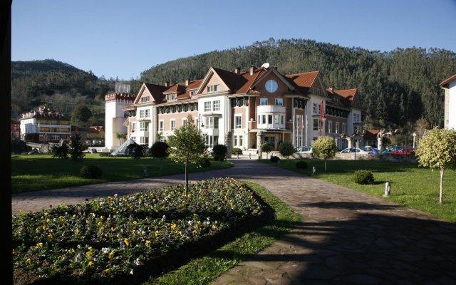 Gran Hotel Balneario вид на фасад