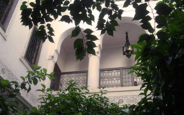 Отель Riad Jenaï Demeures du Maroc Марокко, Марракеш - отзывы, цены и фото номеров - забронировать отель Riad Jenaï Demeures du Maroc онлайн вид на фасад