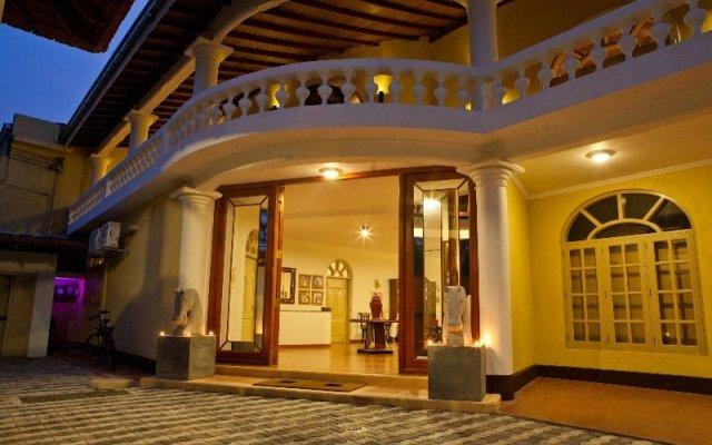 Отель Cocoon Sea Resort Шри-Ланка, Косгода - отзывы, цены и фото номеров - забронировать отель Cocoon Sea Resort онлайн вид на фасад