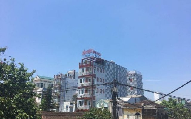 Hong Thien Backpackers Hotel вид на фасад