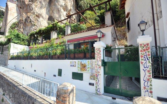 Отель Villa Adriana Amalfi Италия, Амальфи - отзывы, цены и фото номеров - забронировать отель Villa Adriana Amalfi онлайн вид на фасад