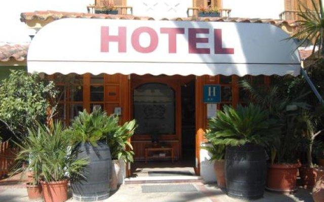 Hotel Antonio Conil вид на фасад