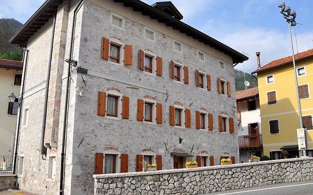 Отель Albergo Diffuso - Cjasa Fantin Корденонс вид на фасад