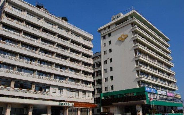 Отель Hanabishi Hotel Япония, Хита - отзывы, цены и фото номеров - забронировать отель Hanabishi Hotel онлайн вид на фасад