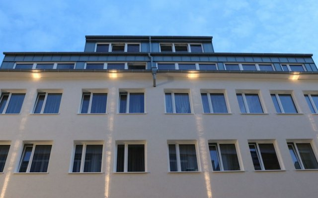 Апартаменты Haus Am Dom - Apartments Und Ferienwohnungen Кёльн вид на фасад