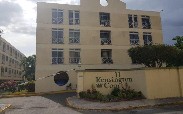 Отель New Kingston Apt at Kensington Court вид на фасад