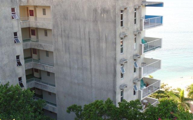 Отель Irie Beach Studio Ямайка, Монтего-Бей - отзывы, цены и фото номеров - забронировать отель Irie Beach Studio онлайн вид на фасад
