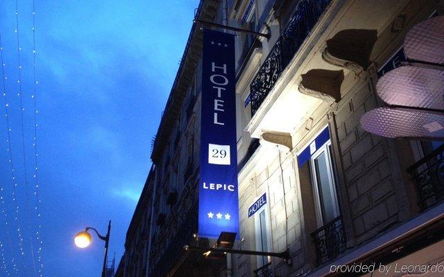 Отель 29 Lepic Париж вид на фасад