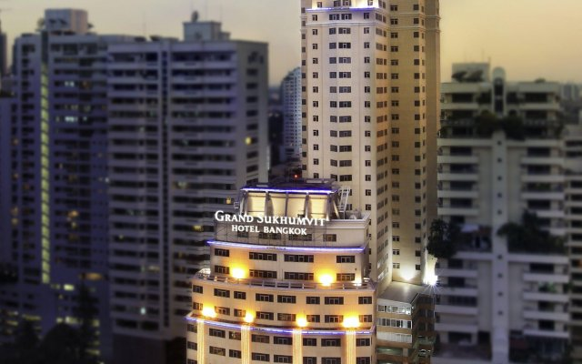 Grand Sukhumvit Hotel Bangkok Managed by Accor вид на фасад