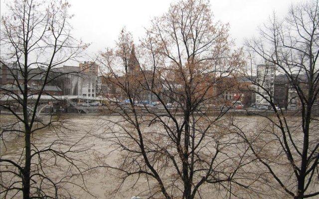 Отель Passerelle - Studio 3rd Floor River View - ZEA 39138 Бельгия, Льеж - отзывы, цены и фото номеров - забронировать отель Passerelle - Studio 3rd Floor River View - ZEA 39138 онлайн приотельная территория