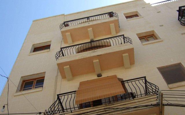 Апартаменты Bencini Apartments Слима вид на фасад