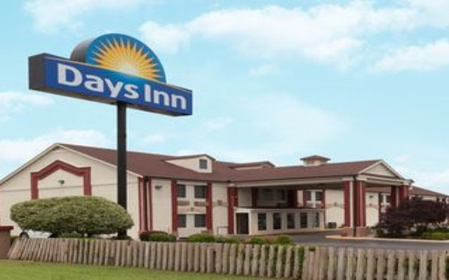 Отель Days Inn Shawnee вид на фасад