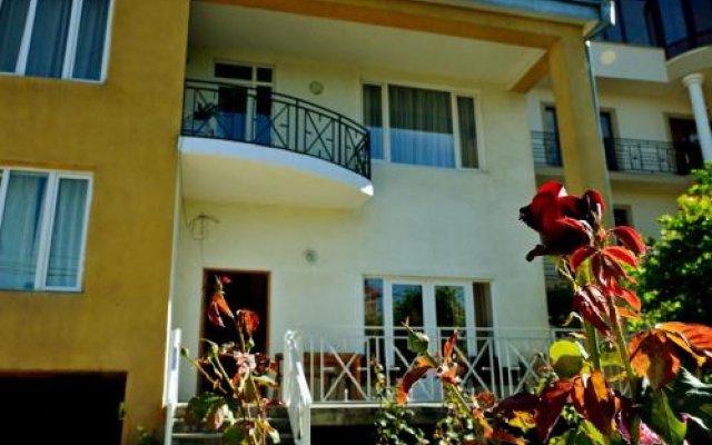 Отель Гостевой Дом Eco-House Грузия, Тбилиси - отзывы, цены и фото номеров - забронировать отель Гостевой Дом Eco-House онлайн вид на фасад