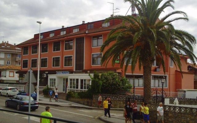 Hotel Los Nogales вид на фасад