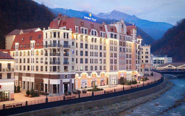 Гостиница Golden Tulip Rosa Khutor (Голден Тюлип Роза Хутор) вид на фасад