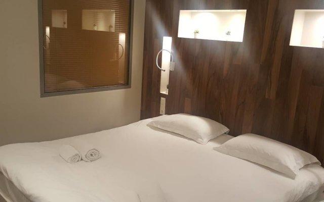 Отель MJ Luxury Suites комната для гостей