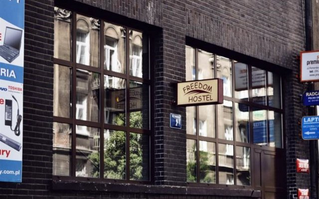 Отель Freedom Hostel Польша, Краков - - забронировать отель Freedom Hostel, цены и фото номеров вид на фасад