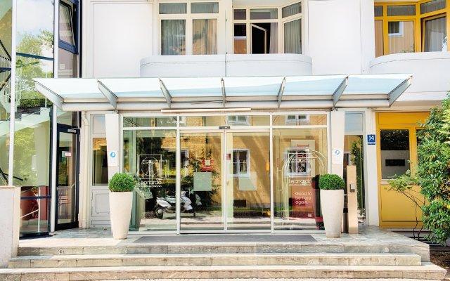 Отель Leonardo Hotel & Residenz München Германия, Мюнхен - 11 отзывов об отеле, цены и фото номеров - забронировать отель Leonardo Hotel & Residenz München онлайн вид на фасад