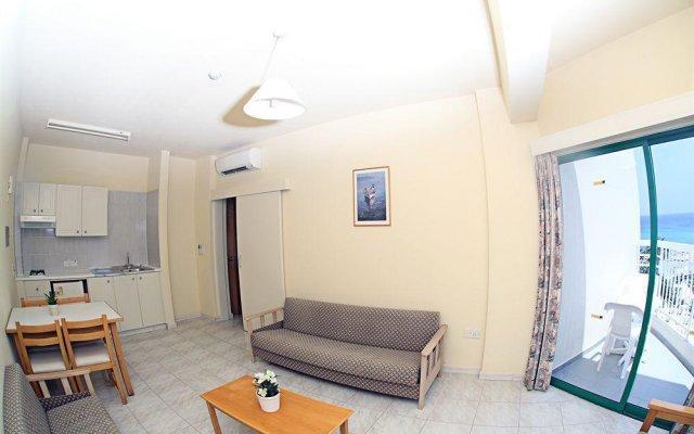 Отель Domniki Hotel Apts Кипр, Протарас - отзывы, цены и фото номеров - забронировать отель Domniki Hotel Apts онлайн комната для гостей