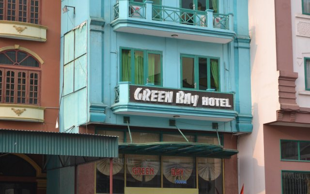 Green Bay Hotel Halong вид на фасад