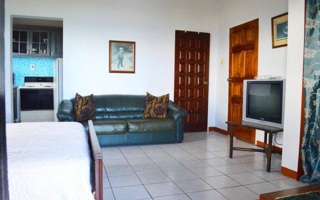 Отель On Top of The Bay комната для гостей