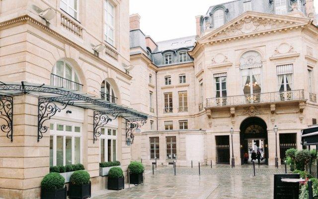 Отель Grand Hôtel Du Palais Royal