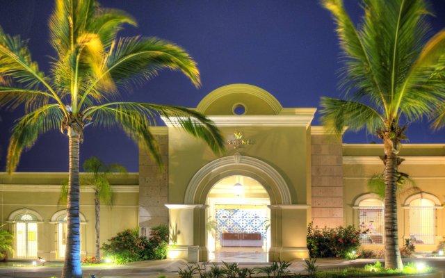 Отель Pueblo Bonito Emerald Bay Resort & Spa - All Inclusive вид на фасад