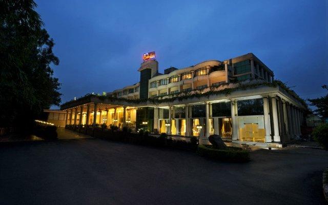 Отель Babylon International Индия, Райпур - отзывы, цены и фото номеров - забронировать отель Babylon International онлайн вид на фасад