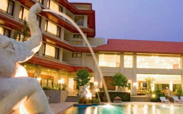 The Imperial River House Resort