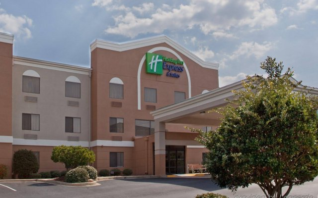 Holiday Inn Express Hotel & Suites Greenville Airport вид на фасад