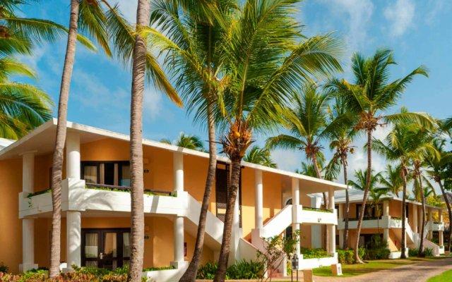 Отель Bavaro Princess All Suites Resort Spa & Casino All Inclusive вид на фасад