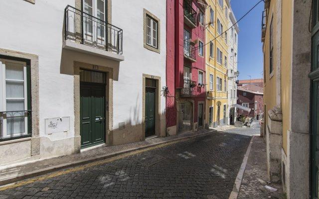 Отель Cozy Flat in the Heart of Alfama Португалия, Лиссабон - отзывы, цены и фото номеров - забронировать отель Cozy Flat in the Heart of Alfama онлайн вид на фасад