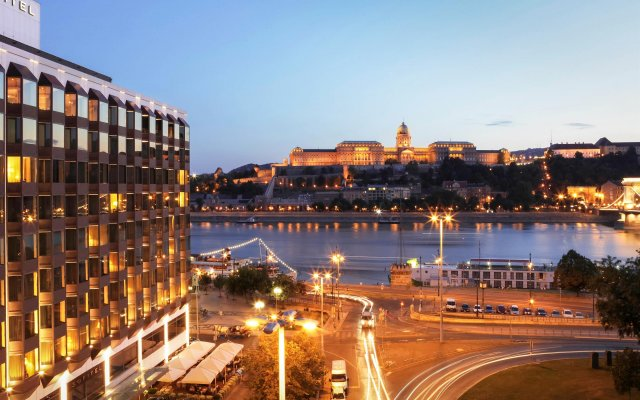 Отель Sofitel Budapest Chain Bridge балкон