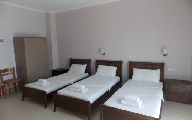Hotel Chris 0