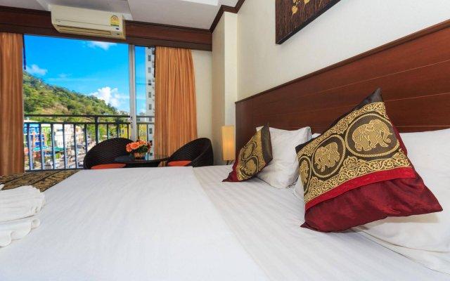 Sharaya Patong Hotel вид на фасад