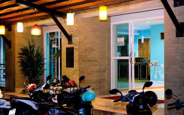 Отель Raya Rawai Place Бухта Чалонг вид на фасад