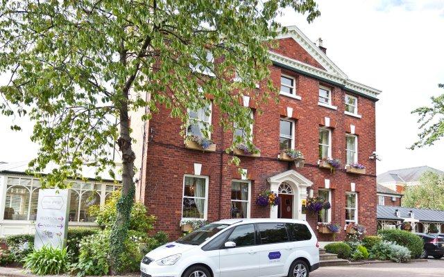 Отель Etrop Grange Манчестер вид на фасад