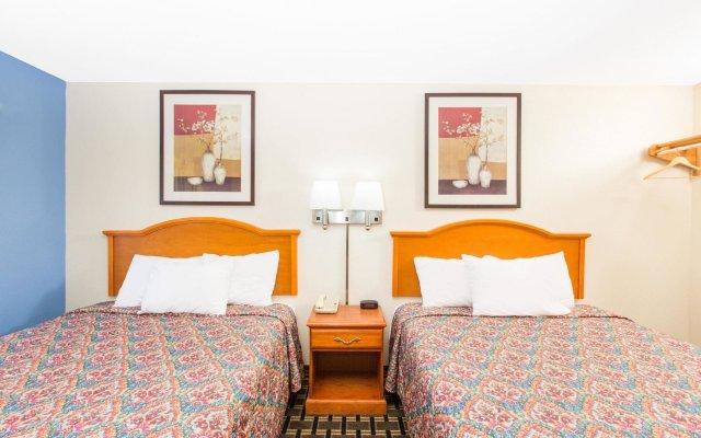 Отель Rodeway Inn Effingham комната для гостей