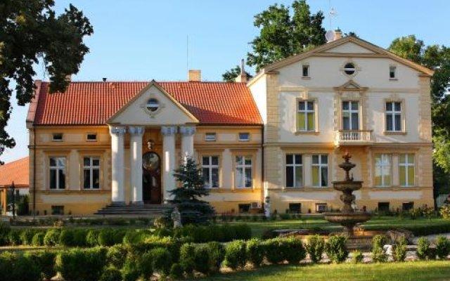 Отель Pałac Piorunów & Spa вид на фасад