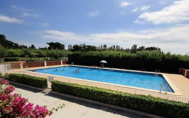 Отель Camping La Rueda Кунит бассейн