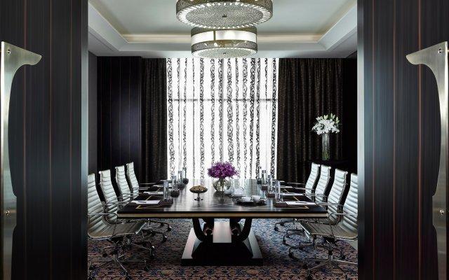 Dusit Thani Abu Dhabi Hotel 2