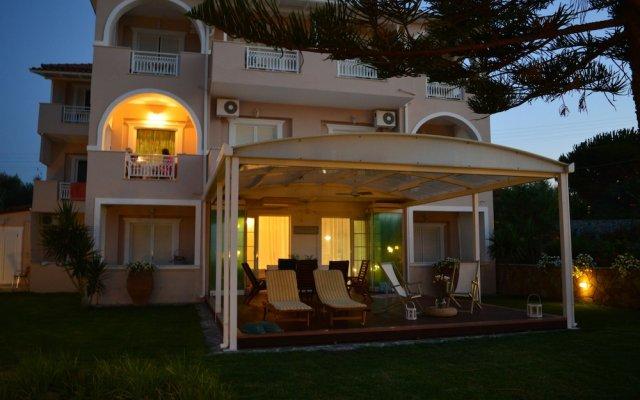 Отель Stefania Apartments Греция, Закинф - отзывы, цены и фото номеров - забронировать отель Stefania Apartments онлайн вид на фасад
