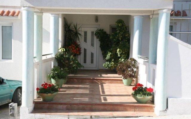 Отель Villa Happy Черногория, Тиват - отзывы, цены и фото номеров - забронировать отель Villa Happy онлайн вид на фасад