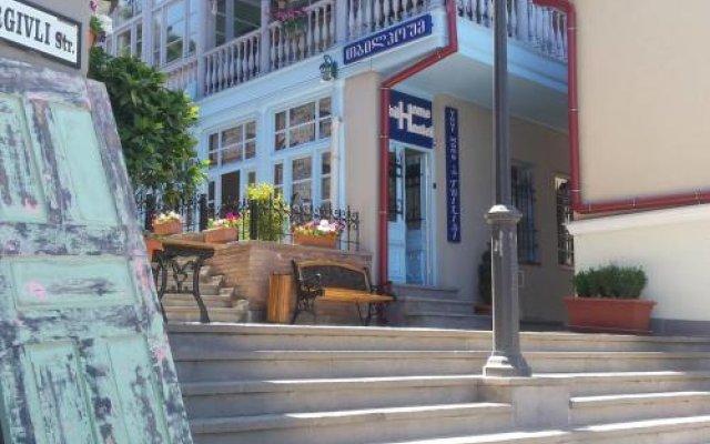 Отель Tbil Home Hostel Грузия, Тбилиси - отзывы, цены и фото номеров - забронировать отель Tbil Home Hostel онлайн вид на фасад